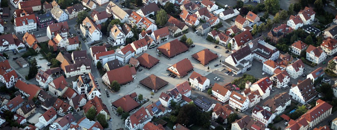Blick aus der Vogelperspektive auf die Dächer der Sieben Keltern