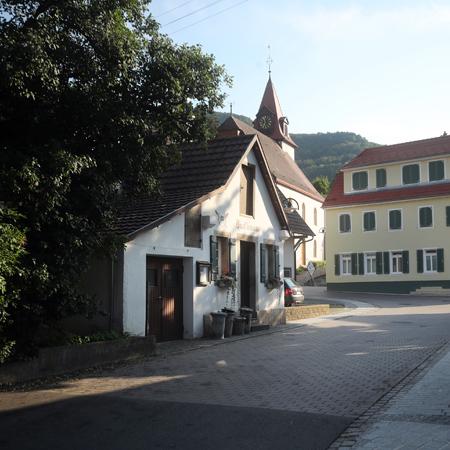 Glemser Backhaus und Kirche