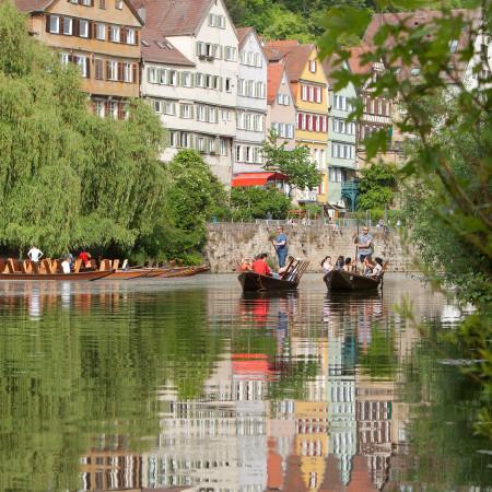 Stocherkahnfahrt in Tübingen auf dem Neckar