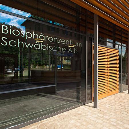 Eingang zum Bioshärententrum Schwäbische Alb
